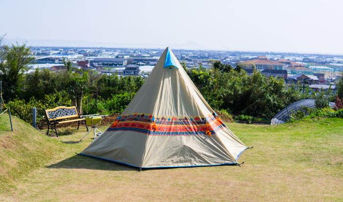 設営後のテント